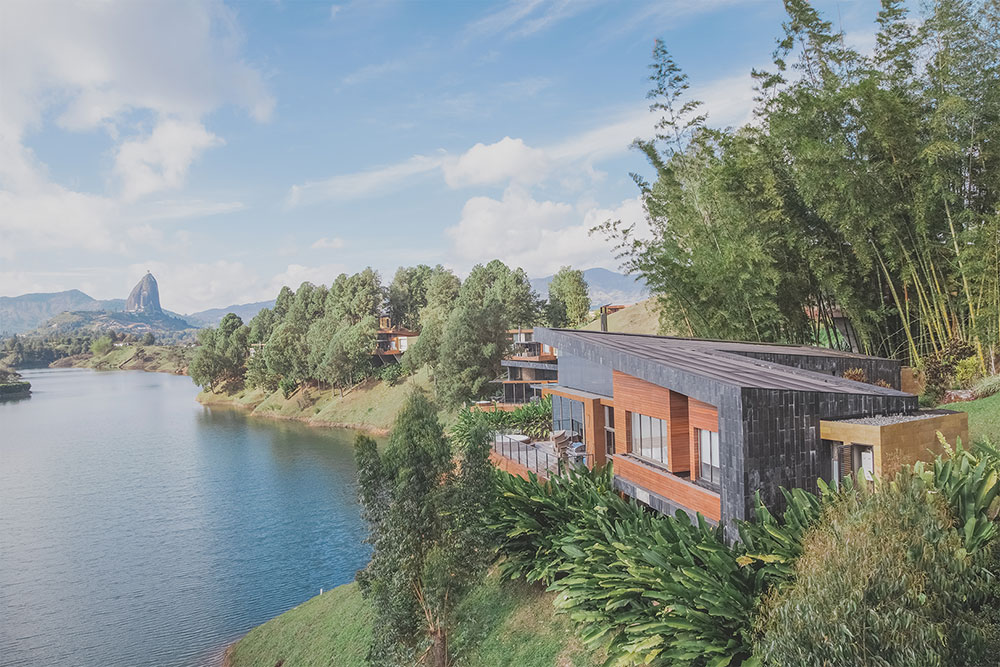 Luxe, lago, rio, cerro